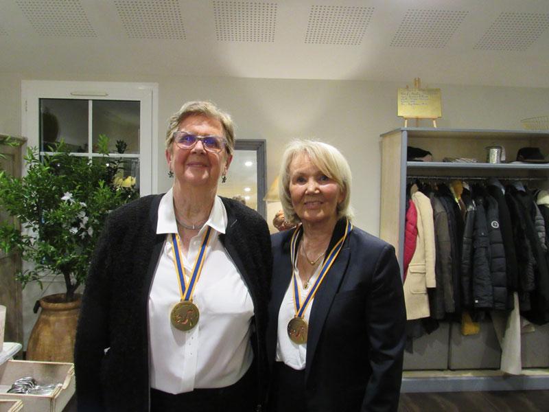 Josette GUETTET et Marcelle POCHON, membres du club des Bressans Gourmands